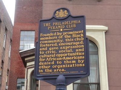 The Philadelpha Pyramid Club Marker image. Click for full size.
