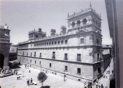 The Palacio de Monterrey image. Click for full size.