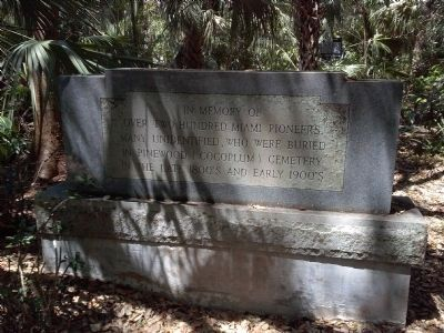 Pinewood Cemetery marker for Miami pioneers image. Click for full size.