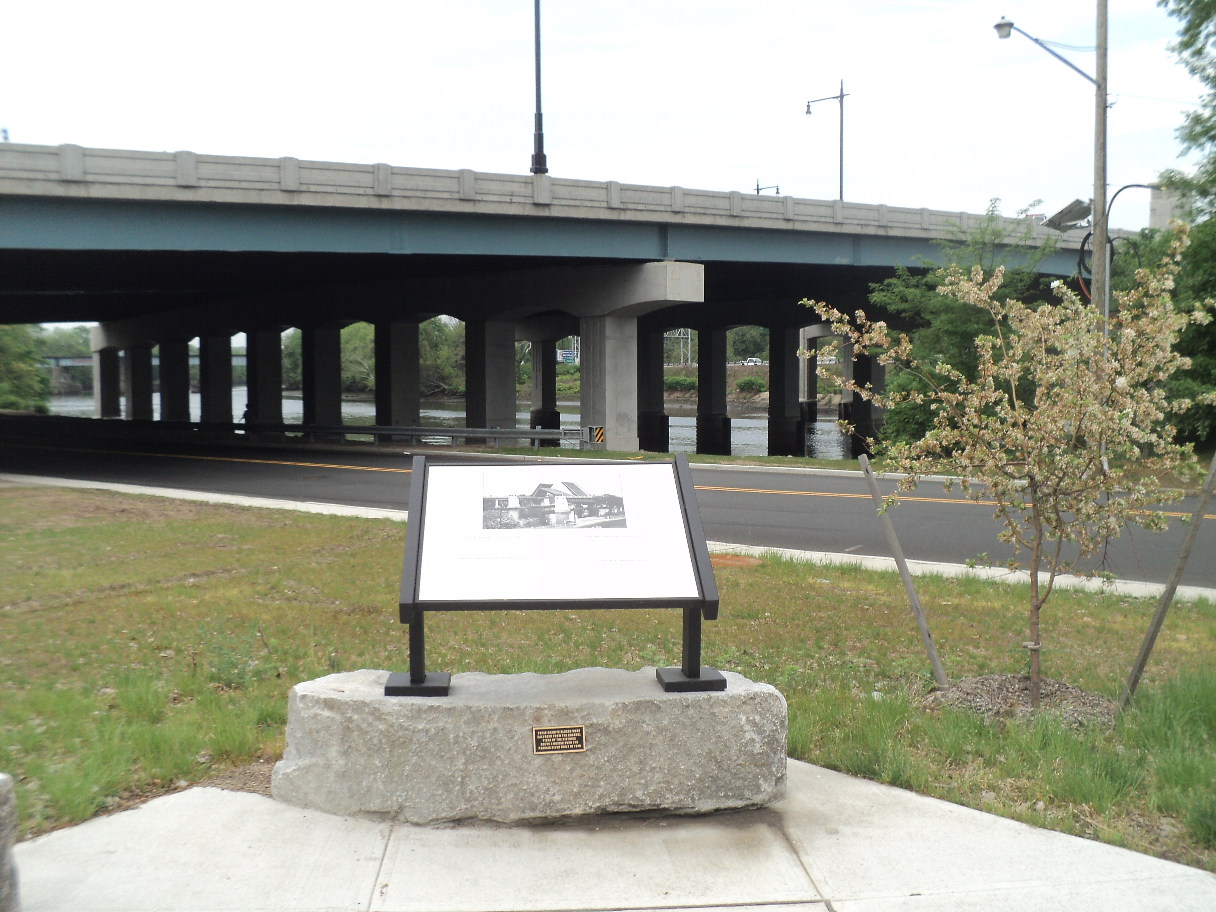 The Passaic River Marker