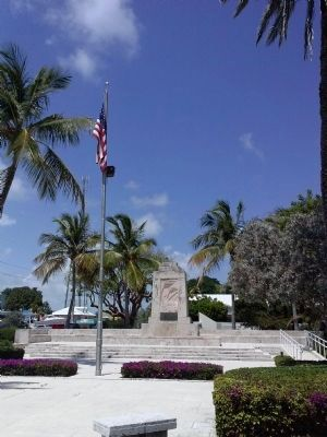 The Florida Keys Memorial with Flag image. Click for full size.