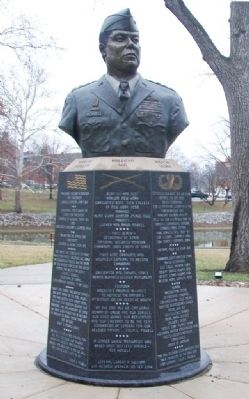 General Colin L. Powell Monument image. Click for full size.