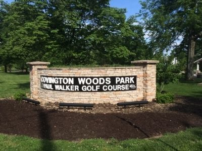 Park & Golf Course entrance sign. image. Click for full size.