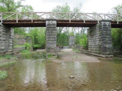 New Towpath Bridge & Aqueduct Remains image. Click for full size.