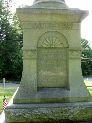 East Haddam Soldiers Monument image. Click for full size.