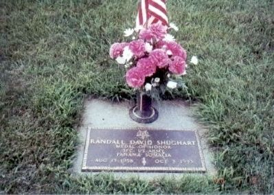 Sergeant First Class Randall D. Shughart Grave Marker image. Click for full size.
