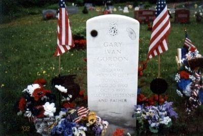 Team Leader Gary I. Gordon Grave Marker image. Click for full size.