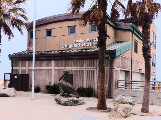 Pacific Beach Life Guard Station image. Click for full size.