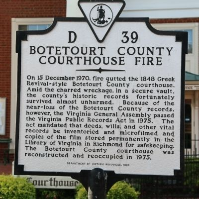 Botetourt County Courthouse Fire Marker image. Click for full size.