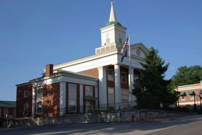 Botetourt County Courthouse image. Click for full size.