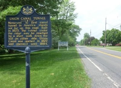 Union Canal Tunnel Marker image. Click for full size.