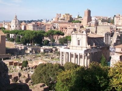 Temple of Antoninus and Faustina image. Click for full size.