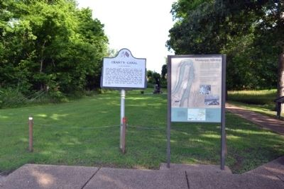 Grant's Canal and Mississippi Sidestep Markers image. Click for full size.