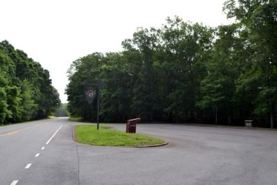 View to East Along Natchez Trace Parkway image. Click for full size.