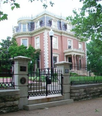 Missouri Governor's Mansion and Markers image. Click for full size.