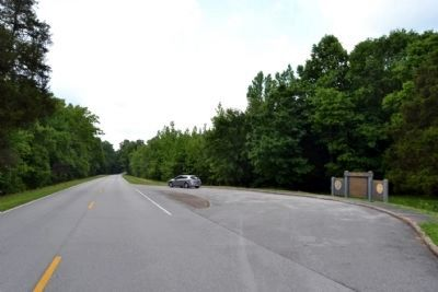 View to South Along Natchez Trace Parkway<br>into Alabama image. Click for full size.