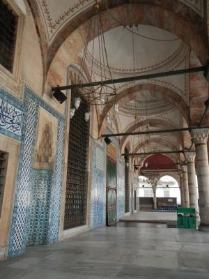 Rustem Pasha Mosque image. Click for full size.
