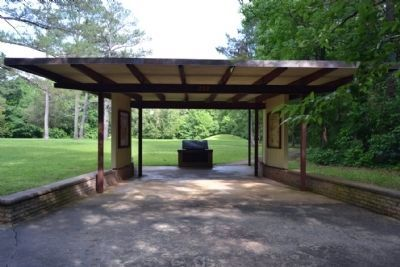 Marker Exhibit Kiosk for Bynum Mounds image. Click for full size.