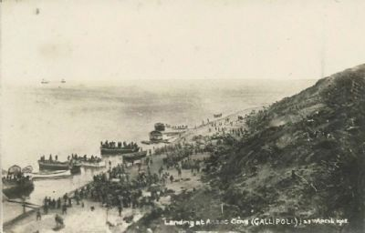 <i>Landing at Anzac Cove (GALLIPOLI.) 25th April 1915</i> image. Click for full size.