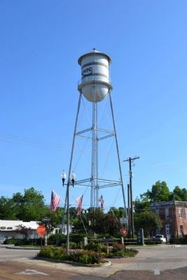 Raymond Water Tower image. Click for full size.