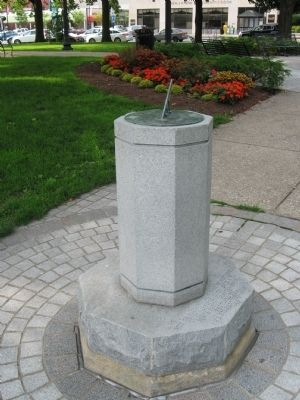 Pittsfield Elm Tree Sundial image. Click for full size.