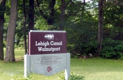 Lehigh Canal Walnutport image. Click for full size.