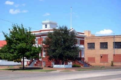 Old Weather Bureau Building image. Click for full size.