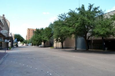 View to North Along Cypress Street image. Click for full size.