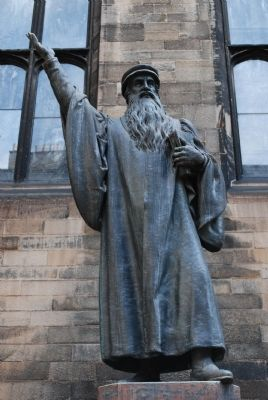 John Knox Statue Close-up image. Click for full size.