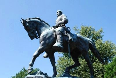 Robert Edward Lee Sculpture image. Click for full size.