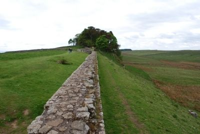 Hadrian's Wall to the West image. Click for full size.