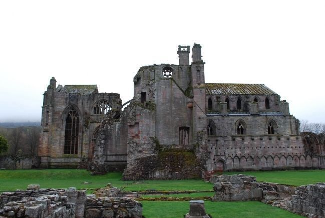 Melrose Abbey image. Click for full size.