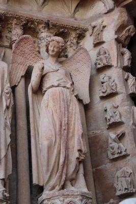 L'Ange au Sourire de Reims (the Smiling Angel of Reims) image. Click for full size.
