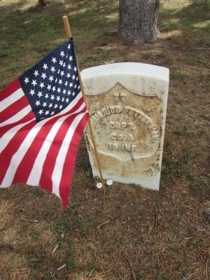 Grave of Capt. Fetterman image. Click for full size.