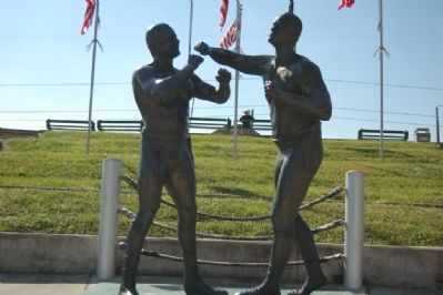 First Heavyweight Prize Fight Statue image. Click for full size.