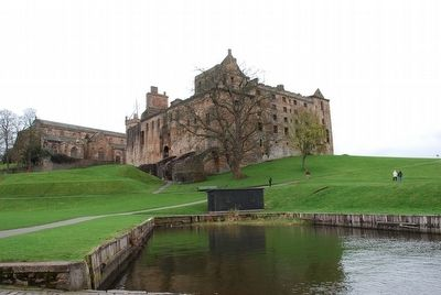 Linlithgow Palace image. Click for full size.