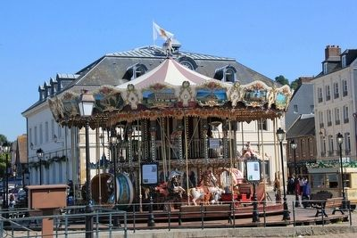 Carrousel à Honfleur image. Click for full size.