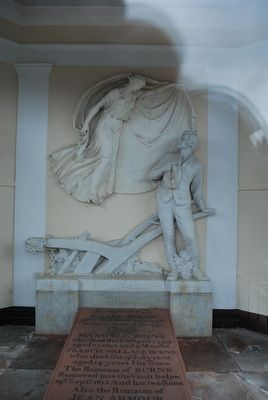 Robert Burns Grave with Sculpture image. Click for full size.