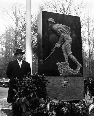 Felix de Weldon at the dedication of the Belleau Wood Marine Memorial image. Click for full size.