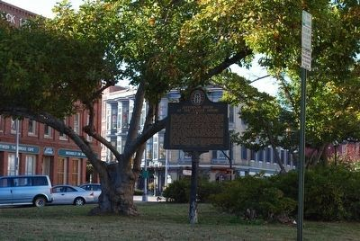 Jefferson Davis at the Lanier House Marker image. Click for full size.
