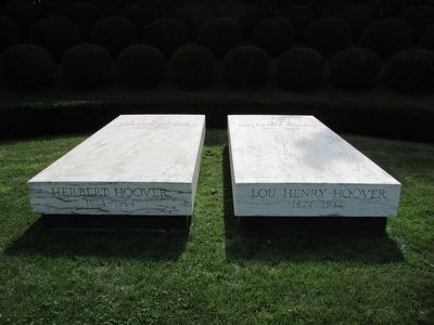 Grave of President and Mrs. Hoover image. Click for full size.