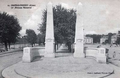 Original WWI American 3rd Division Monument image. Click for full size.