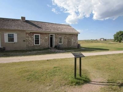 Marker at Fort Laramie image. Click for full size.