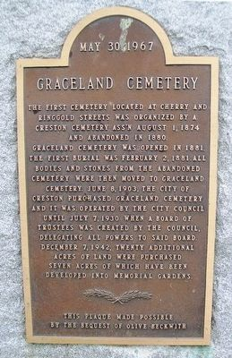 Graceland Cemetery Marker image. Click for full size.