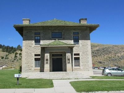 U.S. Corps of Engineers Offices at Fort Yellowstone image. Click for full size.