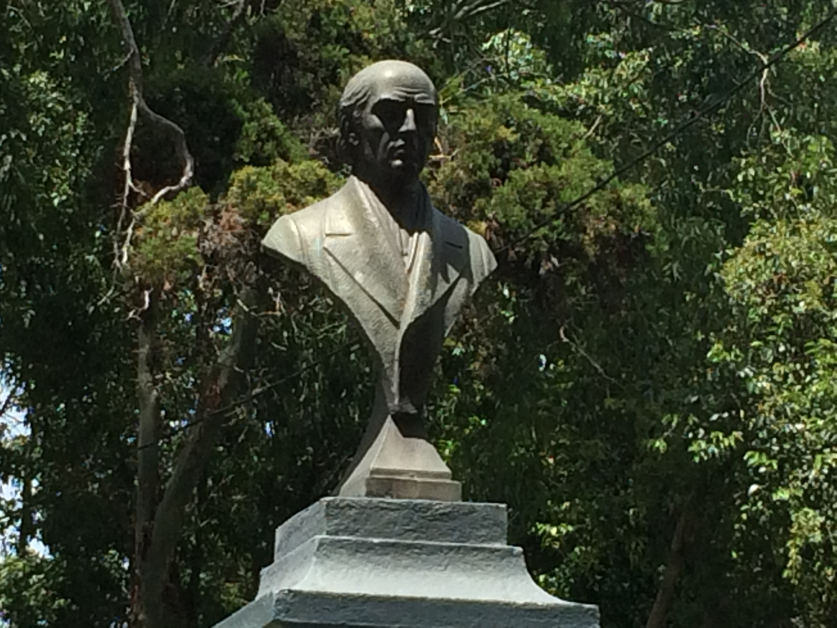 Hidalgo bust from 1969 by sculptor E. Tambriz