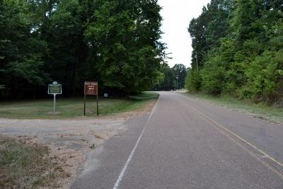 View to South Along Old Port Gibson Road image. Click for full size.