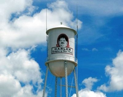 Harlem Ga. Water Tower<br>Honoring Oliver Hardy image. Click for full size.