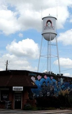 Harlem Ga. Water Tower<br>and Town Mural image. Click for full size.