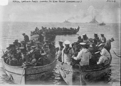 British Naval Landing Party Coming to Kum Kaleh (Dardanelles) image. Click for full size.